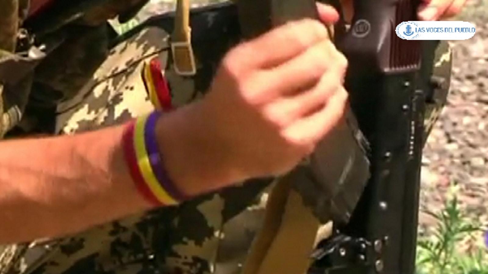Dos españoles republicanos combatiendo con separatistas prorusos ucranianos contra el Gobierno de Kiev (11).Movie_Instantánea