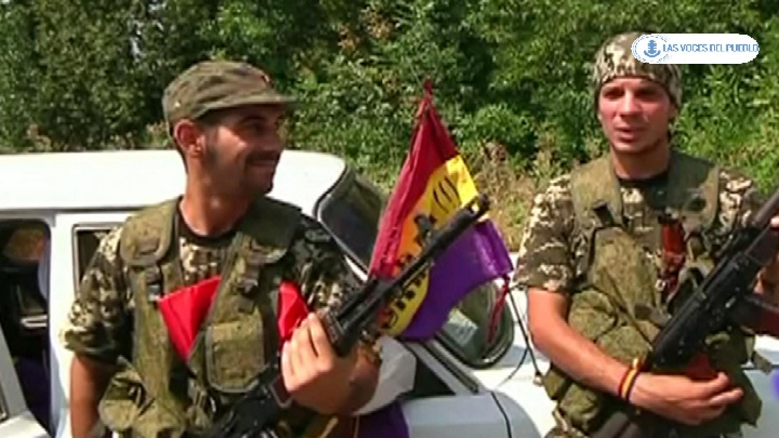 Dos españoles republicanos combatiendo con separatistas prorusos ucranianos contra el Gobierno de Kiev.Movie_Instantánea