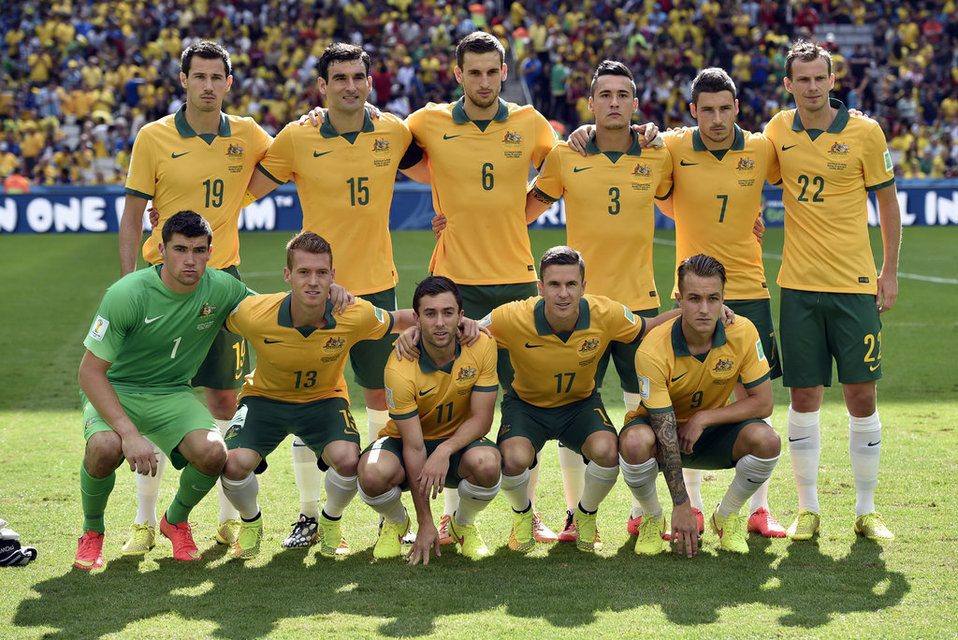 The-Australian-team-pose-for-a_54410230380_54115221152_960_640