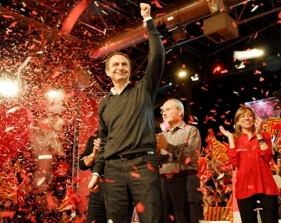 José Rodríguez Zapatero, José Montilla y Carme Chacon -Cierre de campaña electoral - parlamento regional de Cataluña- en Barcelona 2003