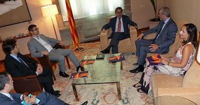 Delegación de Sociedad Civil Catalana reunida con el presidente separatista Catalán, Artur Mas Gavarró [Foto Sociedad Civil Catalana] 30/06/2014