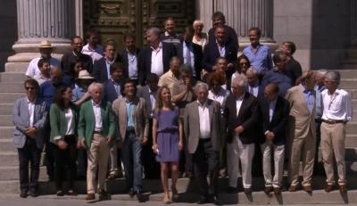 """Foto de familia de los firmantes del manifiesto 2libres e iguales"""", ayer en Madrid"""