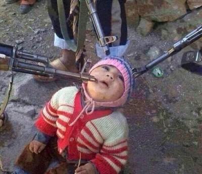 Niño huérfano cristiano iraquí  a punto de ser asesinado por islamistas