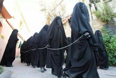 Jóvenes iraquíes convertidas con fuerza al islam y vendidas como esclavas a burros Yihdistas